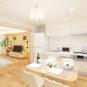 居間 【完成予想図】 DKと洋室が一体利用が出来ます。ナチュラルカラーの建具のため、家具が合わせ易い仕様。
