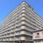 外観 214世帯の大規模マンション、東側(バルコニー側)に遮る物がなく、大きな青空が広がります!提供公園も