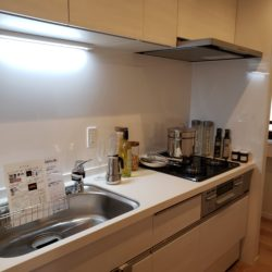 キッチンには窓があり、換気や採光が取れます。(キッチン)