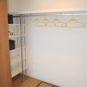 洋室(1)のクローゼットは奥行がある押入サイズ、可動棚は、荷物の高さに合わせ変更可能