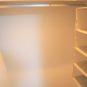 ウォークインクローゼット内でLす。ハンガーパイプがL型、上部は棚になっており、収納力があります。