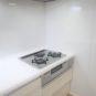 キッチン 3口ガスコンロトップは、強化ガラスになっており、見た目の良さだけでなく、お掃除も楽に出来ます!