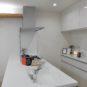 キッチン キッチン天板は奥行き約97cm、作業スペースが広く、料理を出したり、片付けの際に使い勝手が良好です!