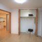 洋室3クローゼットは、高さが約2.3m、奥行きが70cmあり、通常の収納よりも大きくなっております。