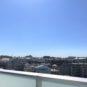 バルコニーからの眺望、目の前には青い空が広がります!南向きで陽当たりも良好!
