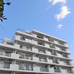 昭和56年築ですが、メンテナンスが行き届いており、管理状態は良好です。(外観)