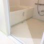 バスルームは、バリアフリー仕様。ご年配の方やお子様でも安心です。